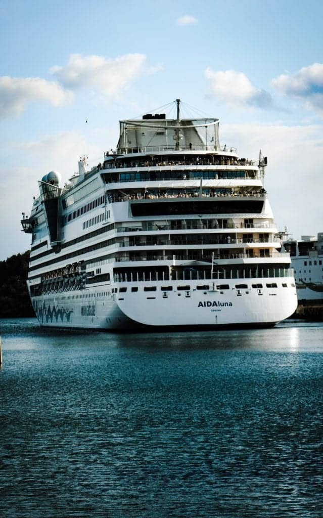 Top 4 Cruises For Singles To Enjoy Solo-Travelling Experience