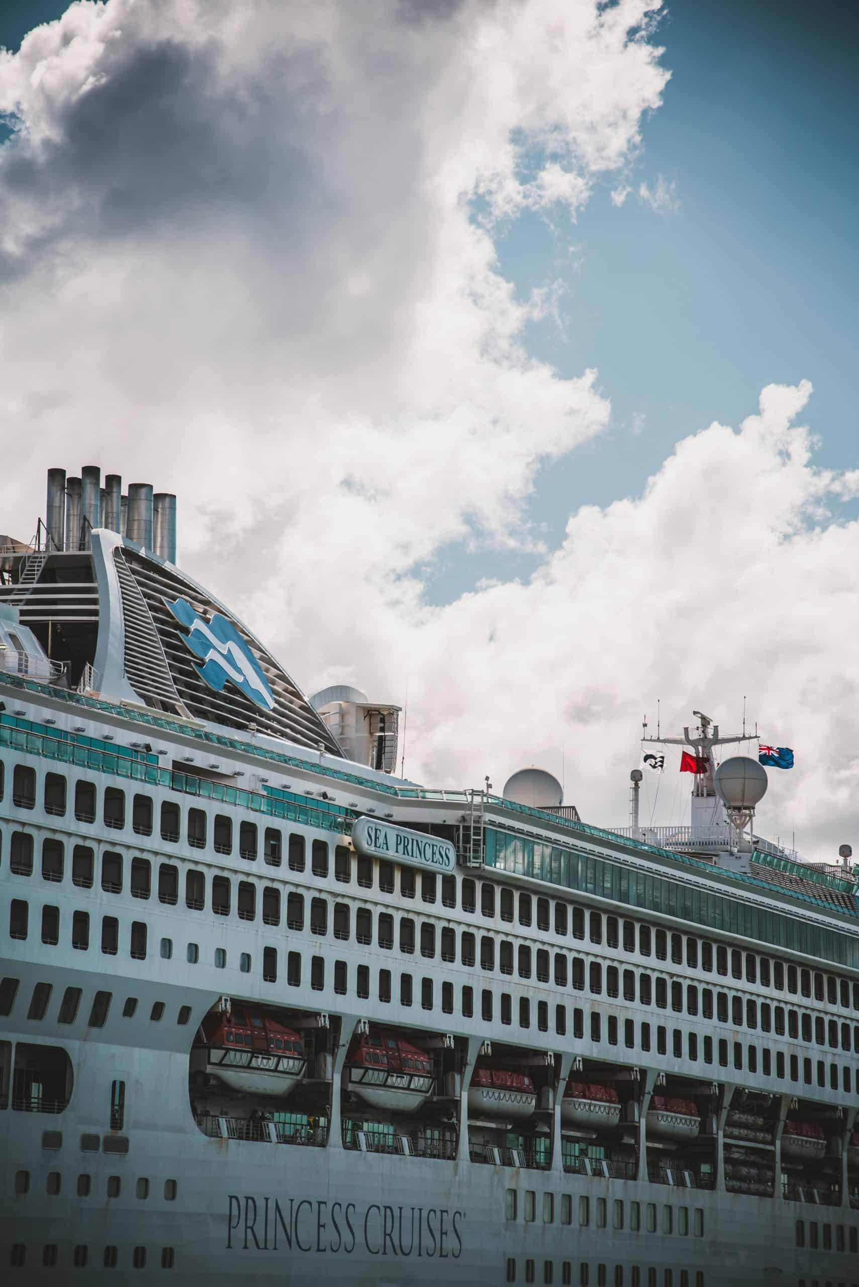 Top 4 Cruises To Bermuda You Should Travel For Best Luxury Experience