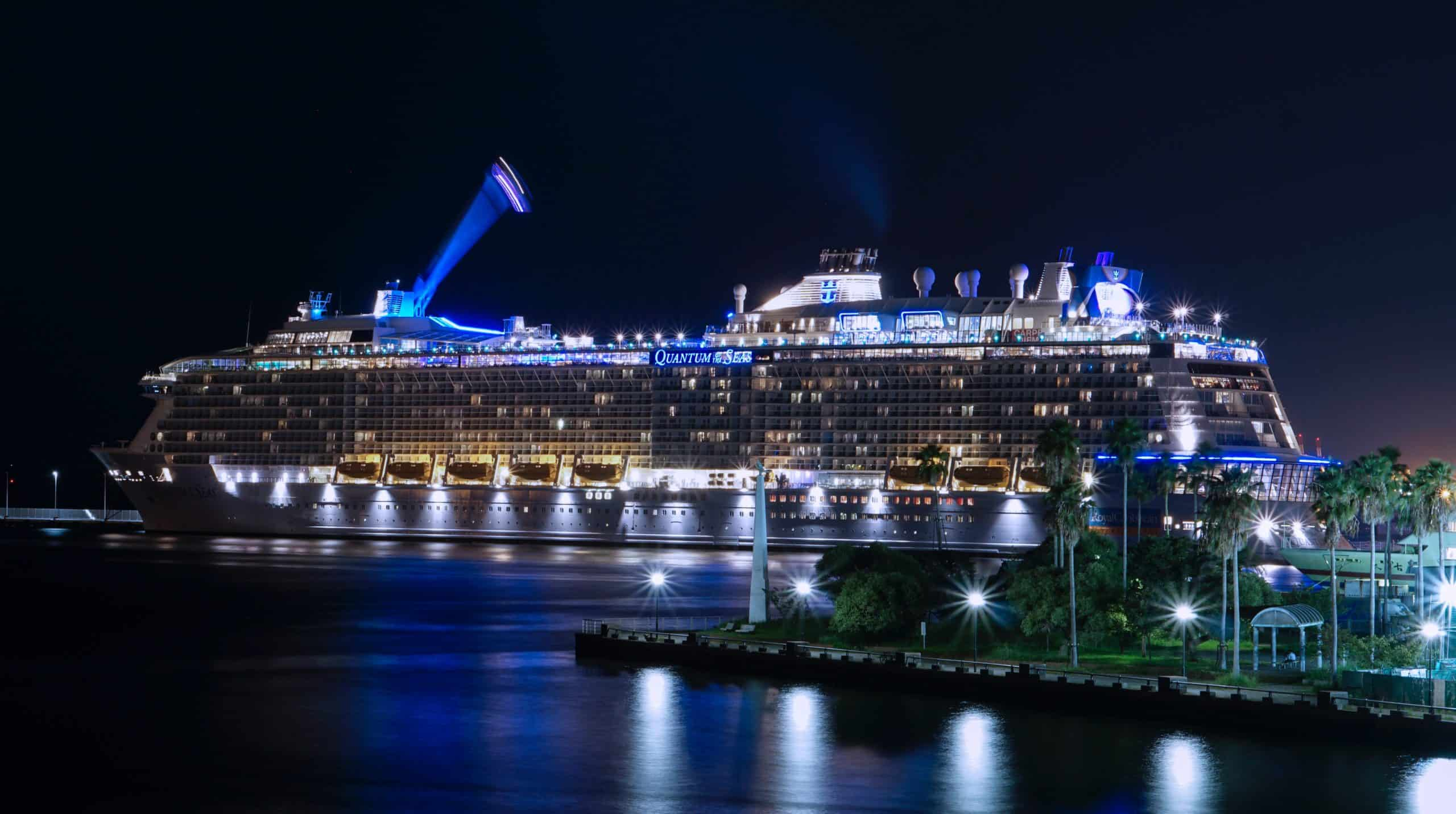 What To Pack For Sailing? 5 Things You Should Have For Cruise Trip